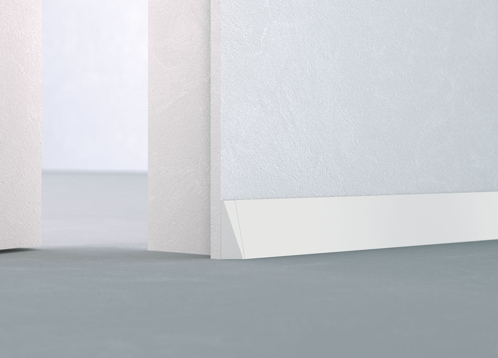 ECLISSE Delta - inclined aluminium baseboard with polyhedral terminals