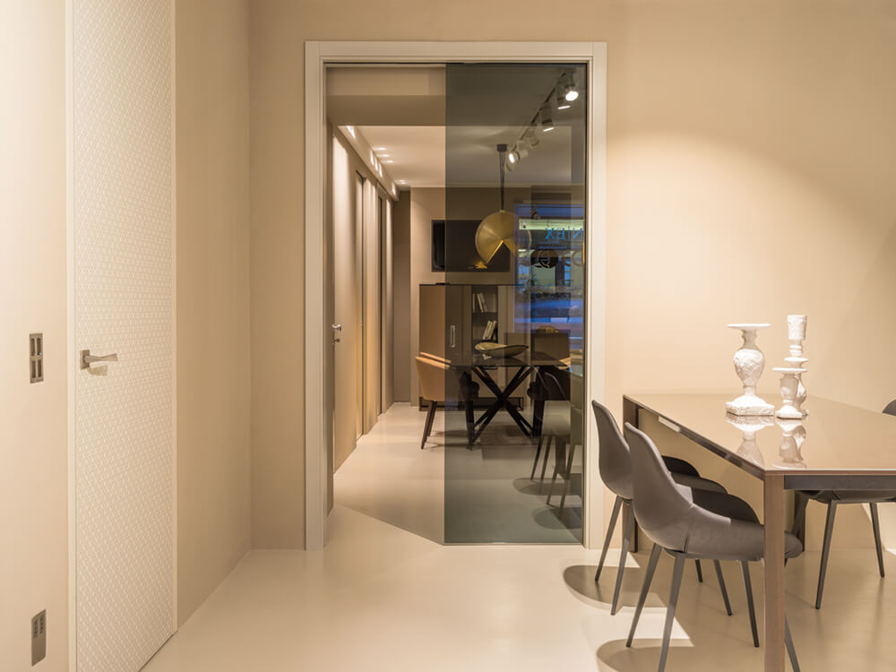 ECLISSE Single with smoked glass door